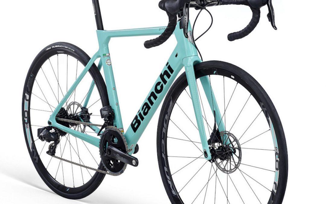 Van waar komt de typische kleur van de Bianchi fietsen?