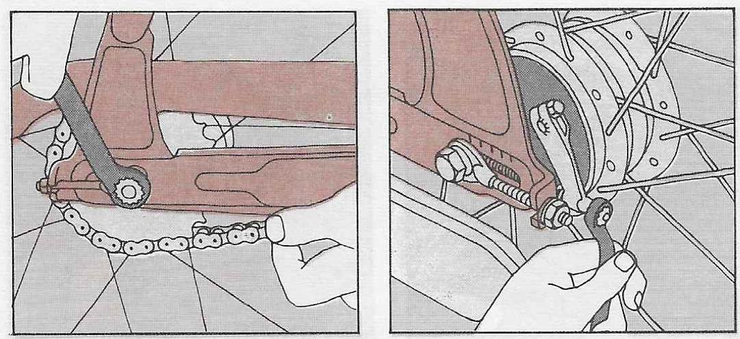 Onderhoud bromfiets – montage van de remschoenen in het achterwiel